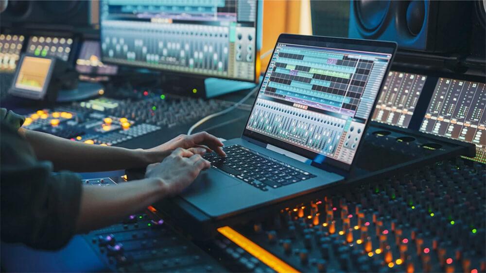 Best Laptop for Music Production & DJs